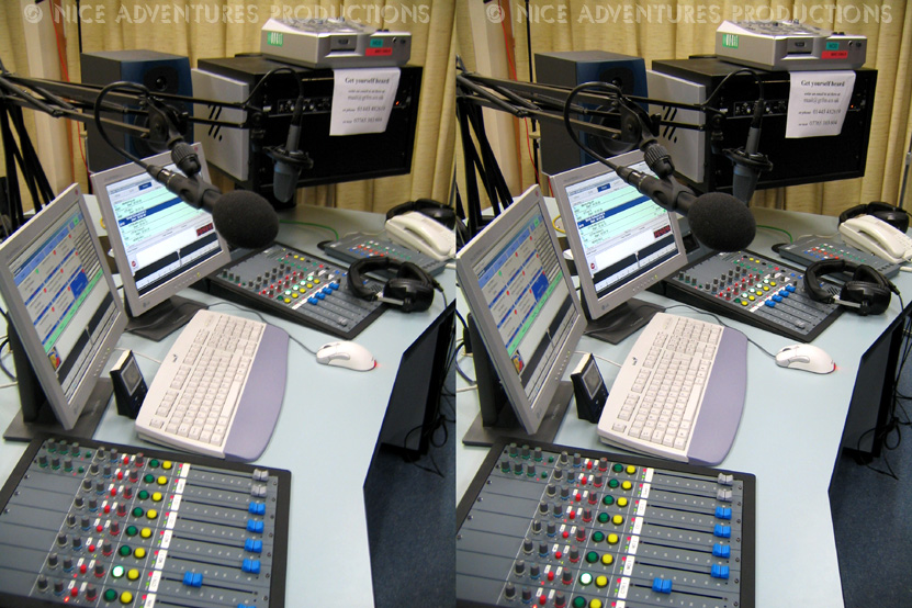 2004_March 19_GTFM Studio 2 desk 3D nap